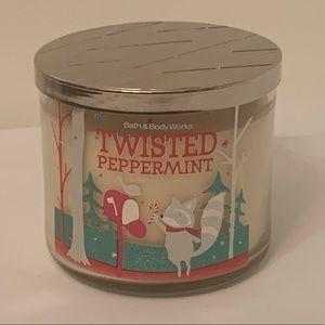 Bath & Bodyworks Twisted Peppermint 3 Wick Candle